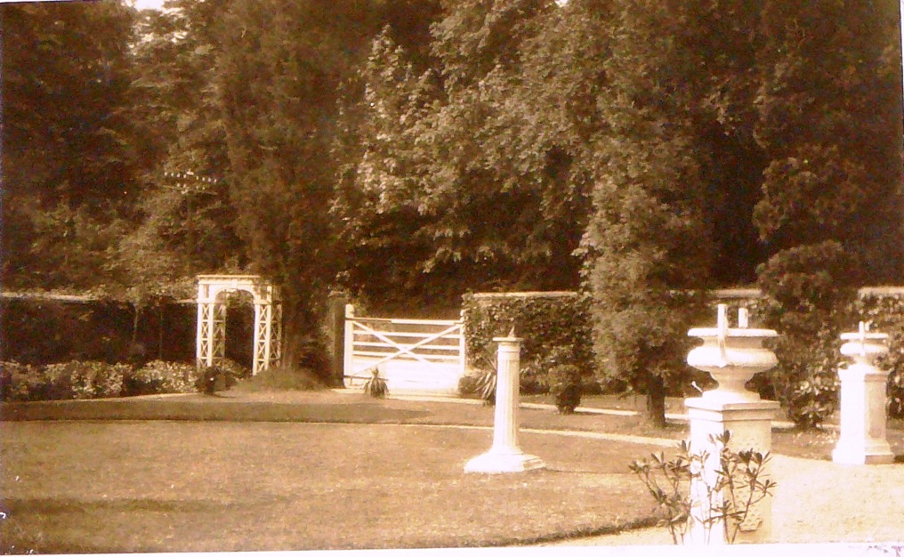 Zimapan's sth-facing garden, 1928