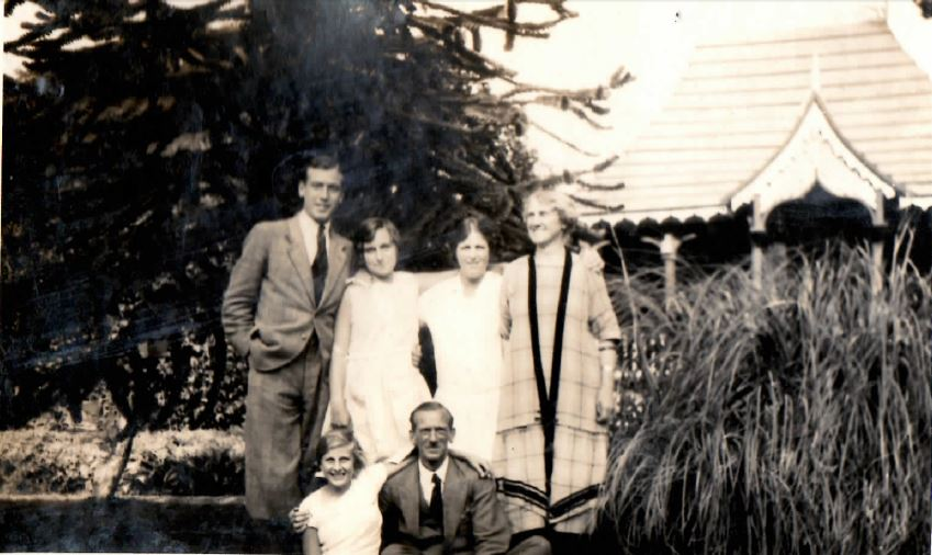 Thomas family at Zimapan, 1928